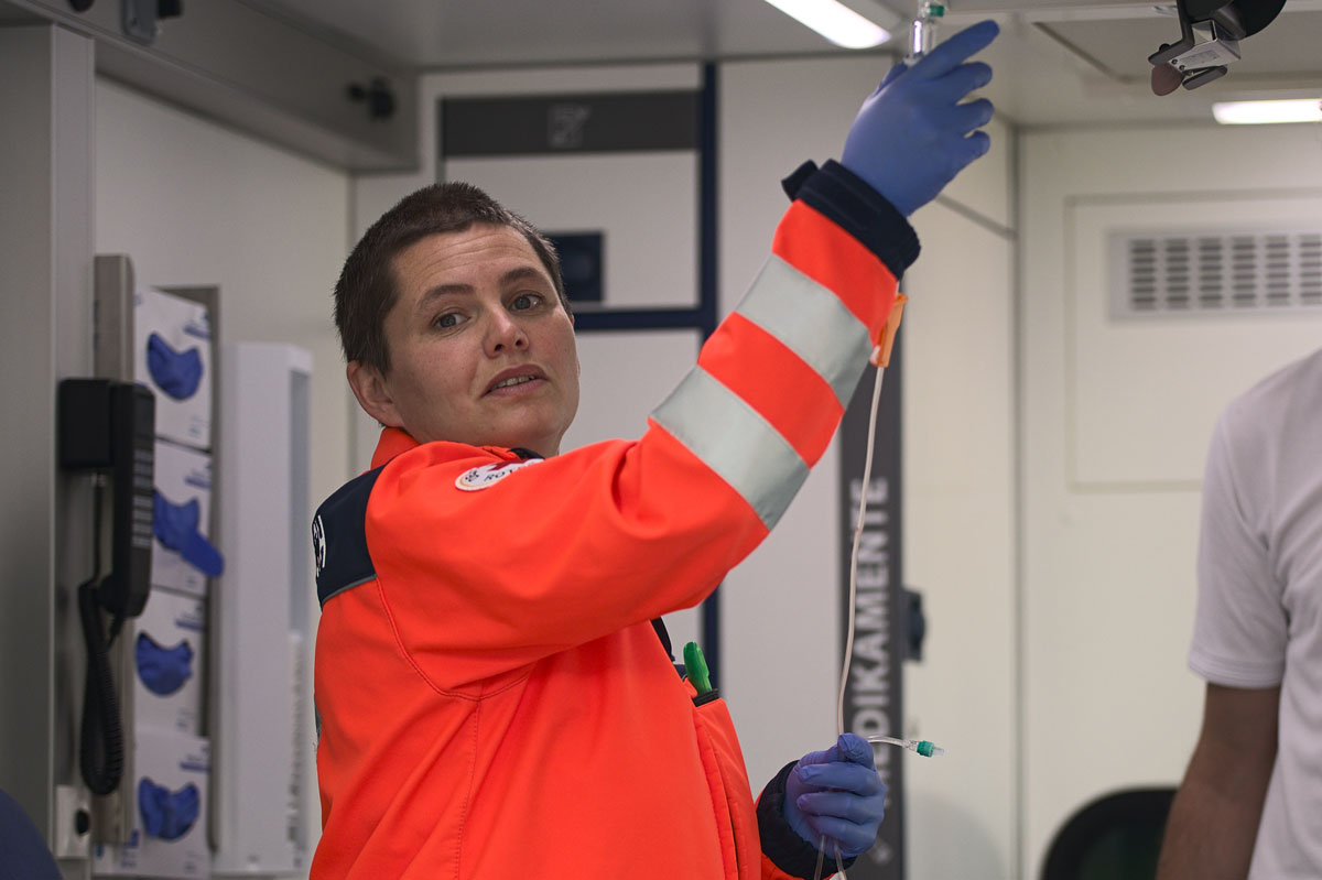 Dr. med. Sofia Titze im Einsatz als Notärztin im Dienst
